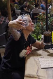 916.000 kijkers zien huwelijksreis Henk en Chantal: 'Echte Turkse kapsalon eten'