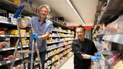 """'Romeo' Chris Van Tongelen helpt mee in Katelijnse supermarkt van broer Dave: """"Ik zou hem meteen aannemen"""""""