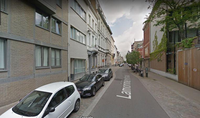 De bewoner in de Lamorinièrestraat overtuigde de politie dat de zak met geld niet van hem was.