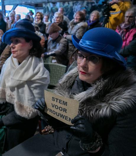Typisch Tongelre: historische raadsvergadering nagespeeld tijdens kerstmarkt