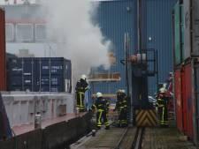 Flinke brand op containerschip in Haven van Waalwijk