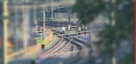 Zwartrijder zwaait met mes in Zwolse trein en wordt na twee keer taseren gepakt door politie