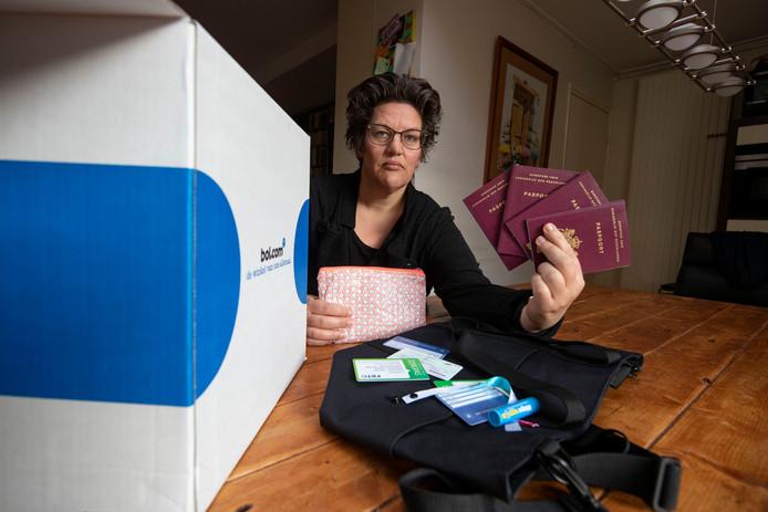 In het pakketje dat Inge van Bol.com kreeg zat meer dan alleen de bestelde tas.