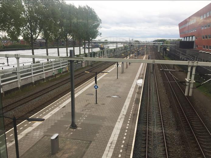 De kale vlakte op het station Maarssen.