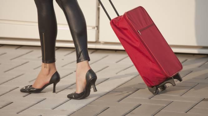 Seksspeeltjes meesmokkelen op reis: dat doe je zo