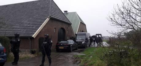 Kim L. (49) blijft tot rechtszaak in de cel wegens drugslab in Baakse woonboerderij