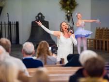 Els Pfann treedt op in Heusdense Catharijnekerk: 'Voor 30 mensen, het grote concert doen we volgend jaar'