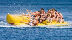 Britse ziet hoe haar moeder kapseist met bananenboot en verdrinkt in Egypte