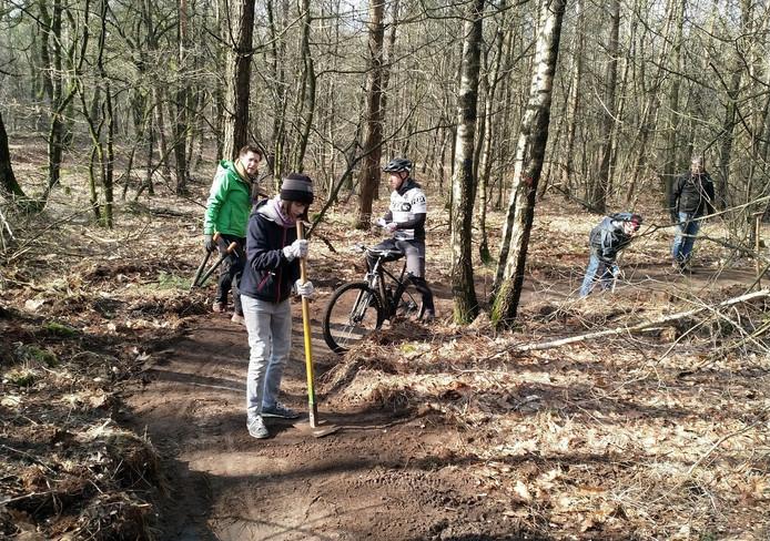 Nieuwe mountainbikepaden worden aangelegd.