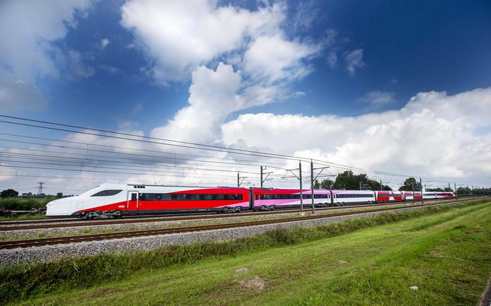De Fyra tijdens een van de zeldzame momenten dat hij op het Nederlandse spoor te zien was.