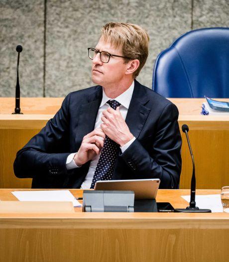 Minister Sander Dekker bekijkt de plek voor de EBI in Ritthem