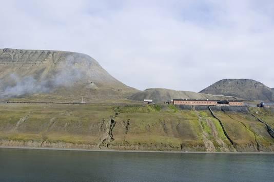 Het stadje Barentsburg op Spitsbergen.