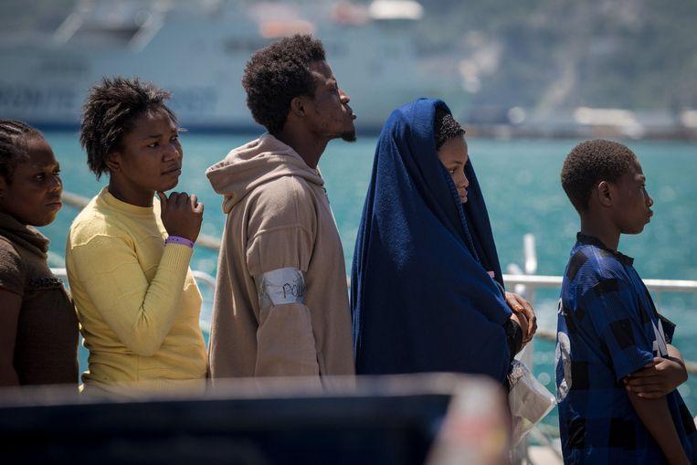 De EU en haar lidstaten  Italië, Frankrijk en Duitsland worden door twee advocaten aangeklaagd voor misdrijven tegen de menselijkheid.