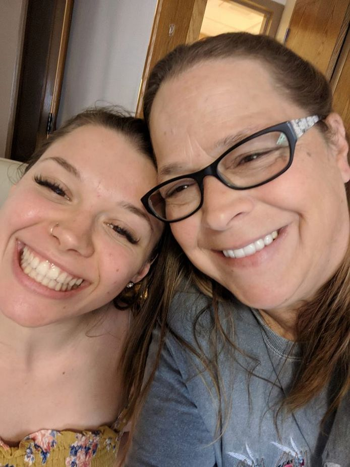 De moeder van de 21-jarige Sarah Papenheim kreeg vanmorgen van de Zorgconsul uitleg over haar onderzoek naar de hulp aan Joël S., die haar dochter vermoordde.