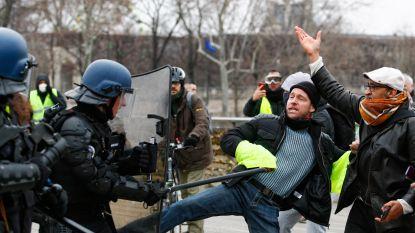 Franse journalisten boycotten protest 'gele hesjes' en brengen één dag geen verslag uit