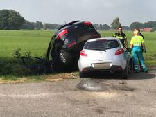 Auto's in Haaksbergen letterlijk op elkaar gebotst: één gewonde