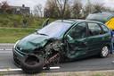Botsing tussen auto en vrachtwagen in Uden