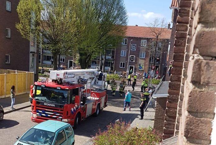 Er waren gisteren veel hulpdiensten en politieagenten op de been na het incident in Zandweerd.