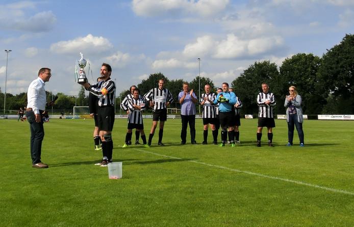 De eerste Ton van Lanen-trofee voor G-teams gaat naar VV Gemert.