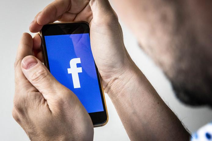 Getroffen gebruikers krijgen vandaag een melding van Facebook.