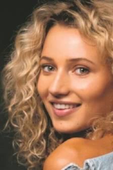 Carrière van model Evy gaat als een trein (19): 'Ik heb geluk, ik hoef niets aan mijn lijf te doen'