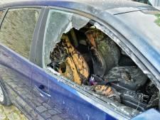 Auto in vlammen op na brandstichting in Tilburg