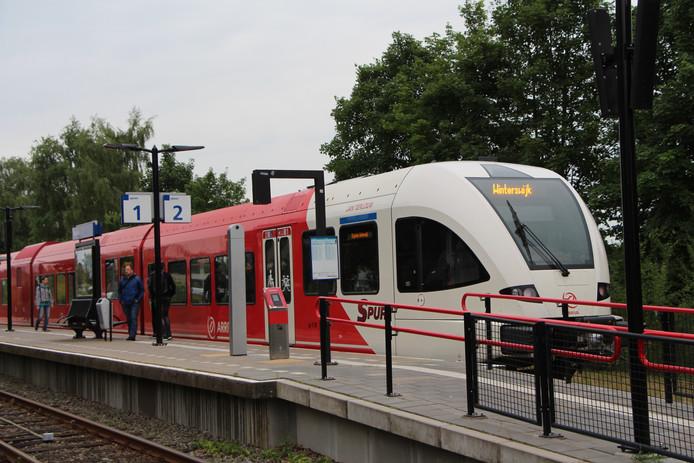 Een trein van Arriva.