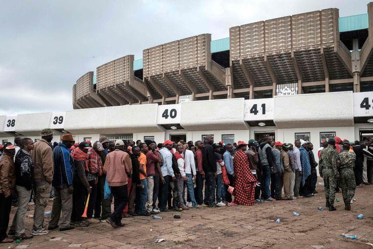 In de rij in Nairobi.  Beeld AFP