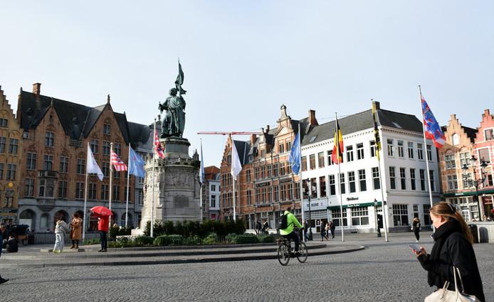Afspraak aan het standbeeld van Breydel en De Coninc.