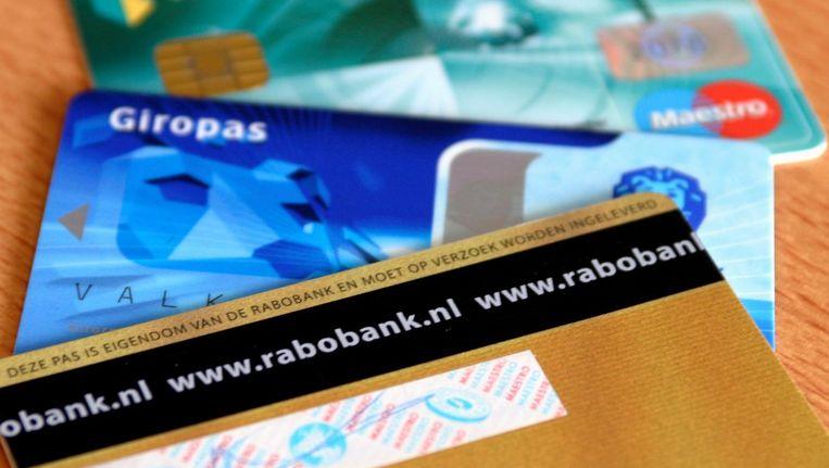 Alle banken verhogen de kosten voor pinpassen en rekeningen Beeld ANP