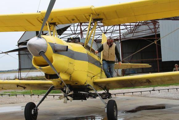 Het sproeivliegtuigje en zijn piloot.