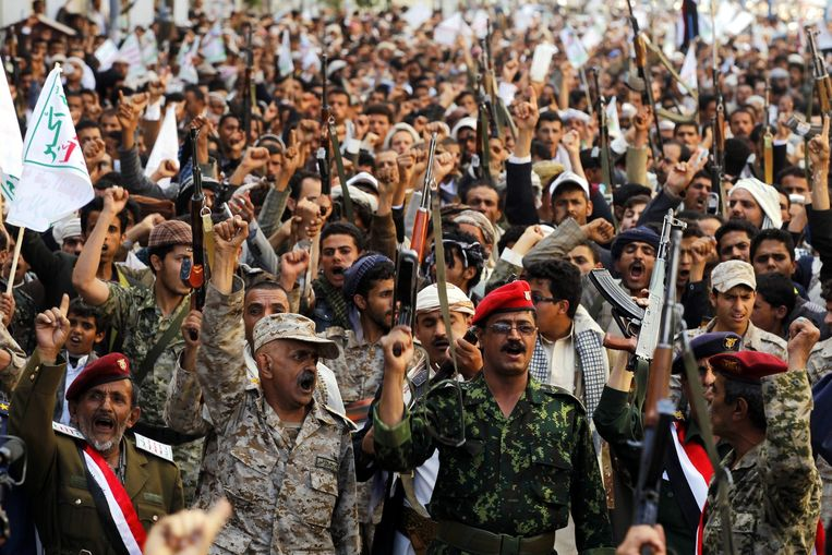 Houthi-supporters schreeuwen anti-Saoudische leuzen in Sanaa, Jemen. Beeld epa