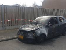 Twee autobranden in twee nachten in Malden, politie zoekt getuigen