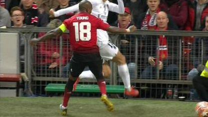 Welkom terug op Old Trafford, Di Maria! Kapitein Man United ontsnapt miraculeus aan tweede gele kaart