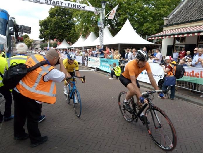 Joop Zoetemelk en Hennie Kuijper in Etten-Leur.