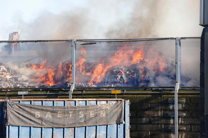 Brand bij Baetsen in Son.