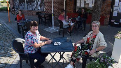 Tien horecazaken in Assenede krijgen deze zomer extra terras
