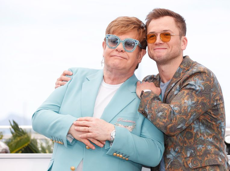 De echte Elton John en Taron Egerton, die de hem speelt in de film 'Rocketman'.  Beeld EPA