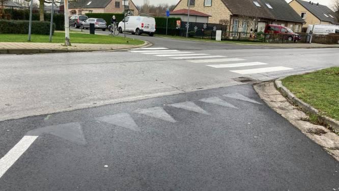 Haaientanden na twee dagen terug overschilderd in Oostakker, tweede zebrapad in aantocht
