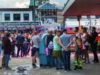 Rotterdammer (23) valt meisjes lastig op Tilburgse kermis en betaalt met vals geld