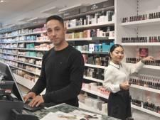 Zeeuwse winkeliers gebukt onder diefstallen: 'De ene leidt je af, de andere stopt zijn tas vol'