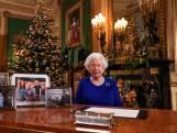 Queen Elizabeth laat fotolijstje Harry en Meghan achterwege bij speech