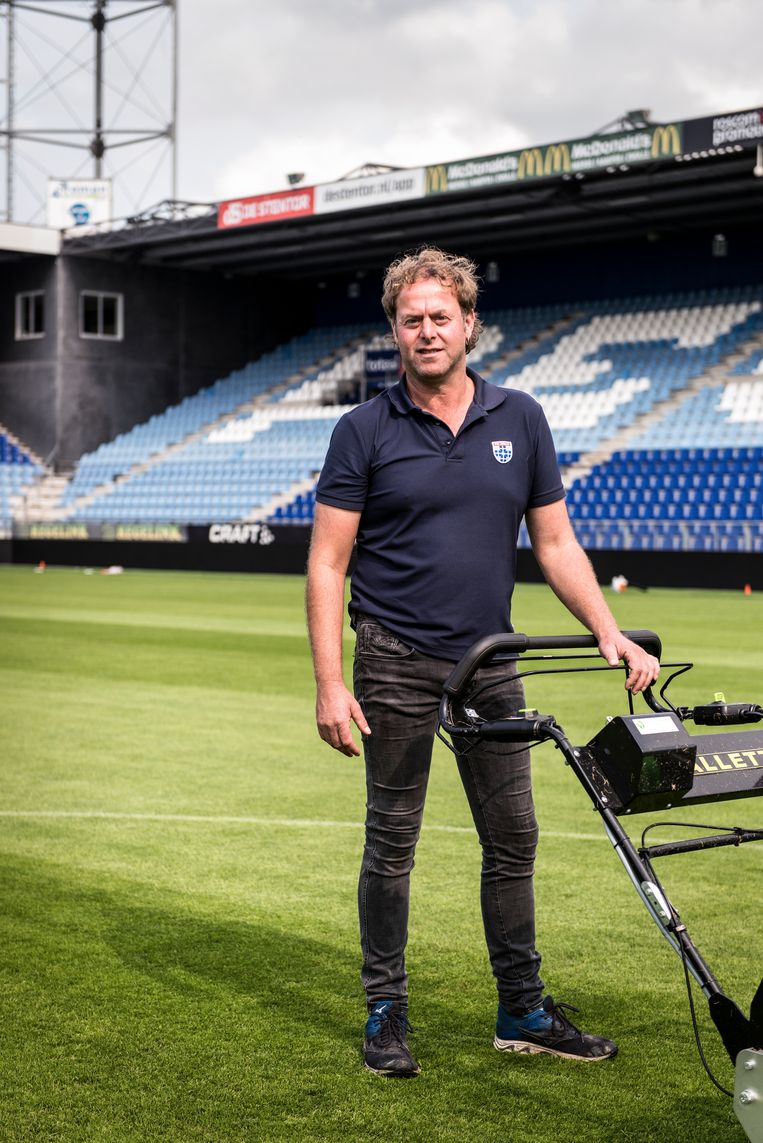 Alfred Neiberg, terreinmeester van PEC Zwolle Beeld Eva Faché