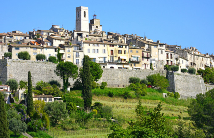 Vence ligt vlakbij het schilderachtige dorpje Saint Paul de Vence