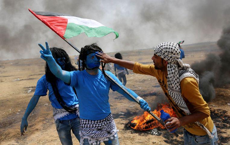 Aan de grens tussen Israël en de Gazastrook wordt al weken geprotesteerd. Er vielen al tientallen doden.