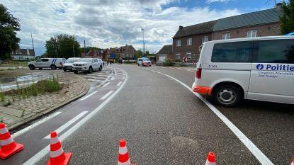 Wagen komt op sporen terecht in Kortenbos, trein kan aanrijding niet vermijden: autobestuurder overleeft klap niet, treinverkeer ligt stil