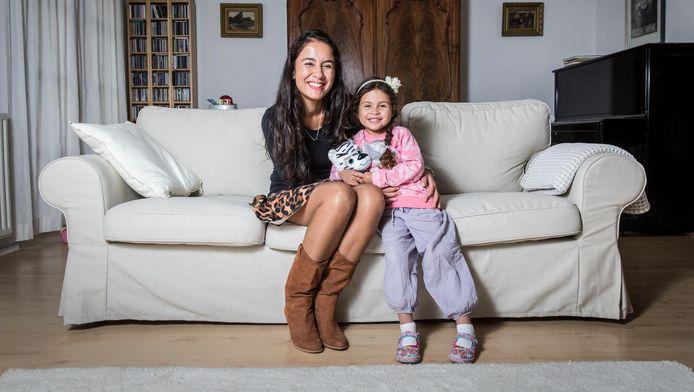 Rory en haar dochter Mila.
