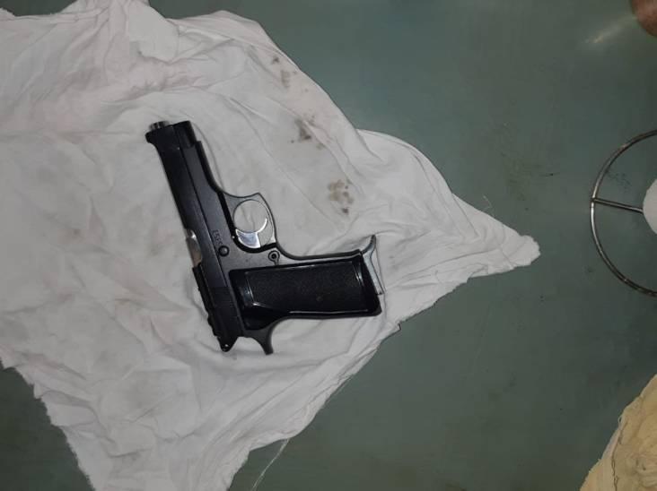 Politie vindt vuurwapen in tuinhuisje, verdachte aangehouden
