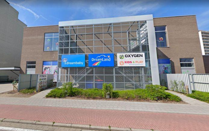 MECHELEN - Dreambaby / Dreamland in Mechelen langs de Oscar Van Kesbeeckstraat.