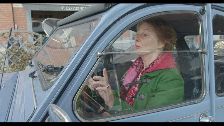 Scène uit de film So Help Me God, met de Belgische onderzoeksrechter Anne Gruwez. Beeld
